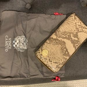 Vince Camuto wallet hardly used with bag